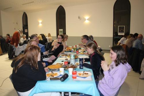 Photo de la salle et de quelques participants